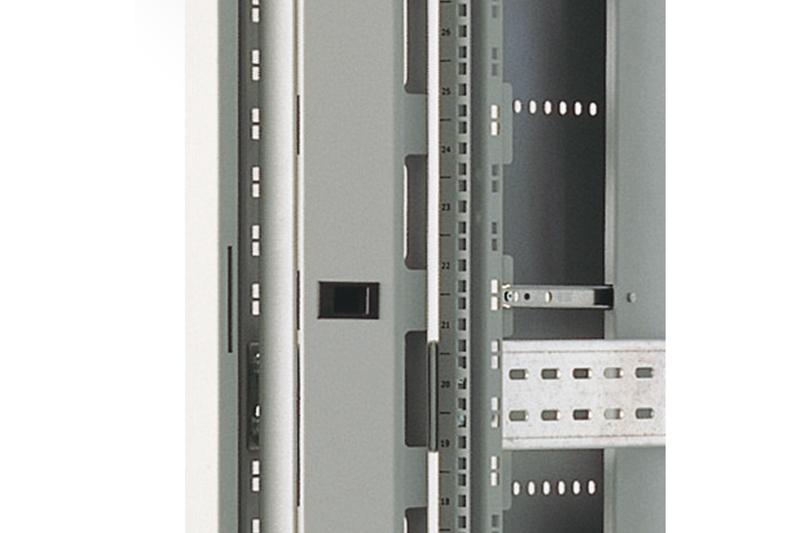 19 schwarz -Schr/änke 1HE 4x DIGITUS Professional Kabelrangierpanel mit Kabelf/ührungsb/ügeln f/ür 483 mm 5x Kabelringe 40x60 mm RAL 9005